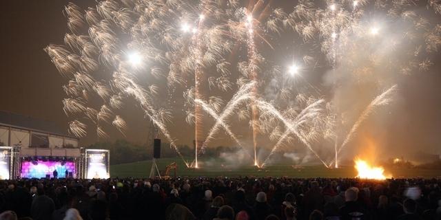 AD fireworks 1